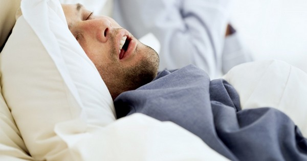 Имплантация стимулятора для лечения остановки дыхания во сне – революционная операция в области отоларингологии