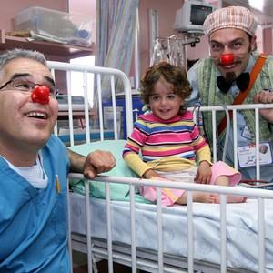 Клоуны в родильном отделении: лечение недоношенных малышей