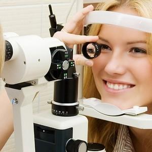 Причины, признаки и лечение ангиопатии сетчатки глаза